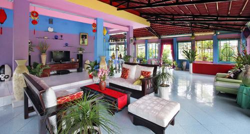 Ngó nghiêng nhà đẹp của Nguyễn Phi Hùng 16