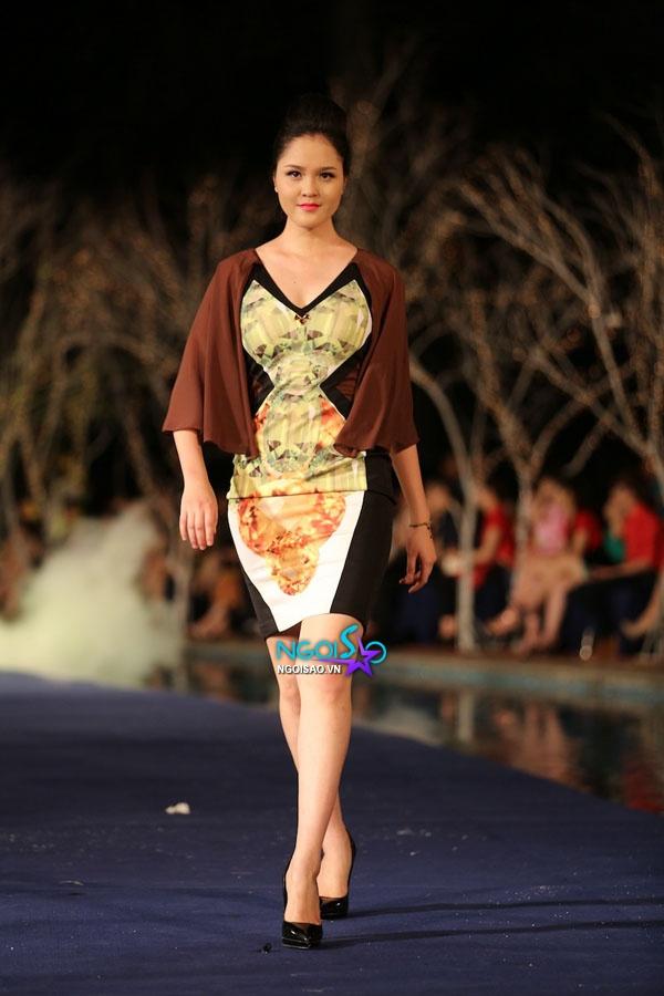 Hoa hậu Thùy Dung, Diễm Hương quyến rũ trong trang phục màu sắc 16