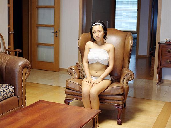 Cuộc sống thê thảm của thiếu nữ Hàn sau phẫu thuật thẩm mỹ 7