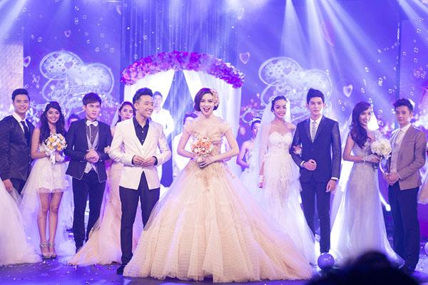 Chú rể Trấn Thành hạnh phúc bên cô dâu gợi cảm Hồ Ngọc Hà 9