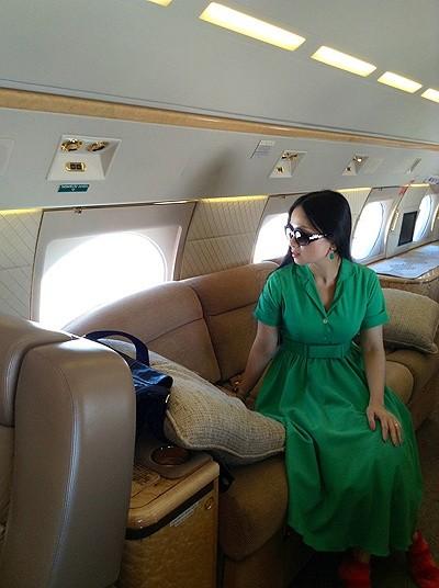Cuộc sống giàu có của em gái Cẩm Ly, người Việt giàu nhất thế giới 1