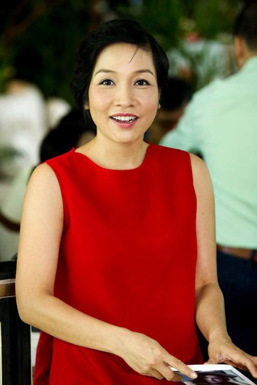 Diva Việt quyến rũ khi diện váy gam đỏ 3