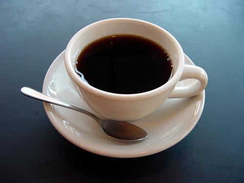 Đánh chồng đến chết vì ngoại tình bằng...tách cà phê 1