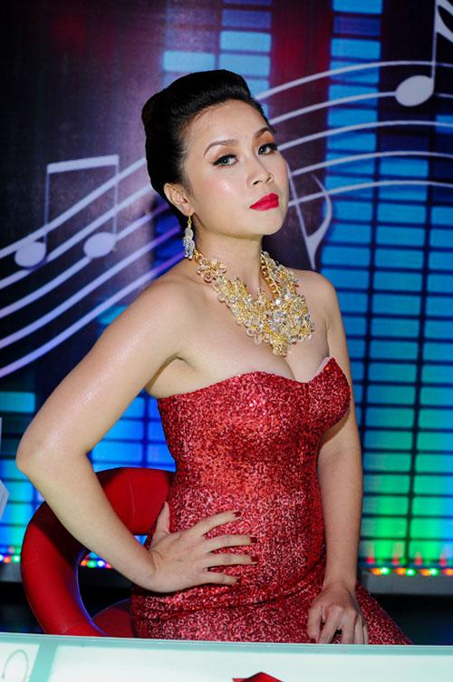 Kiểu trang điểm doạ ma của mỹ nhân Việt 7