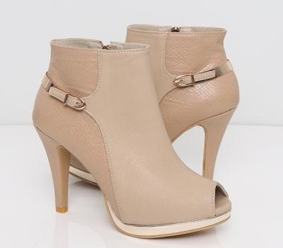 Những mẫu giày bốt nữ đẹp mùa thu đông 2013 2