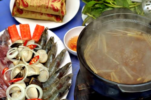 Các quán ốc Sài Gòn ngon trên đất Hà Thành 6