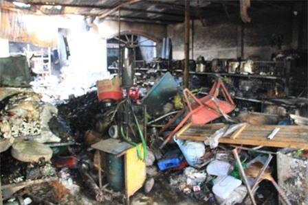 Vụ 4 người chết cháy: Đau đớn tai họa ập xuống gia đình hạnh phúc nhất xóm 3