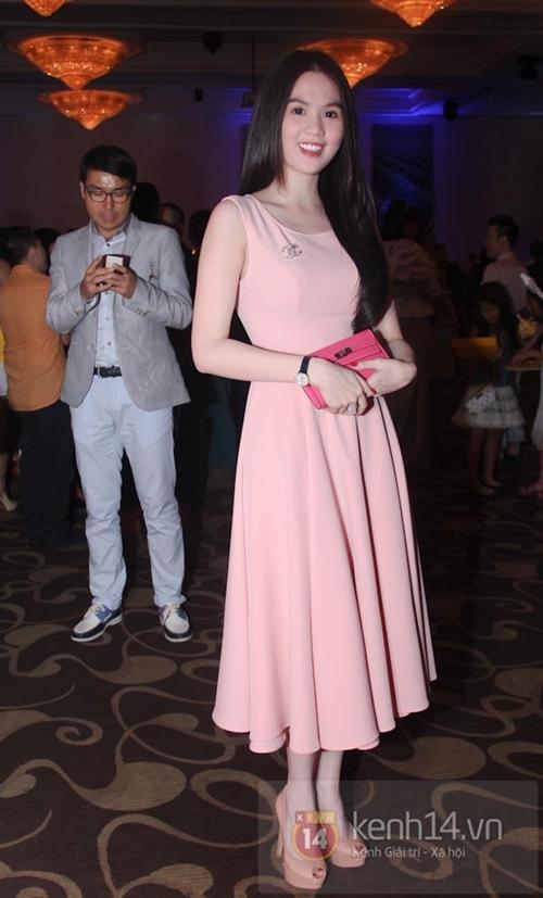 Phong cách thời trang quyến rũ của Ngọc Trinh 56