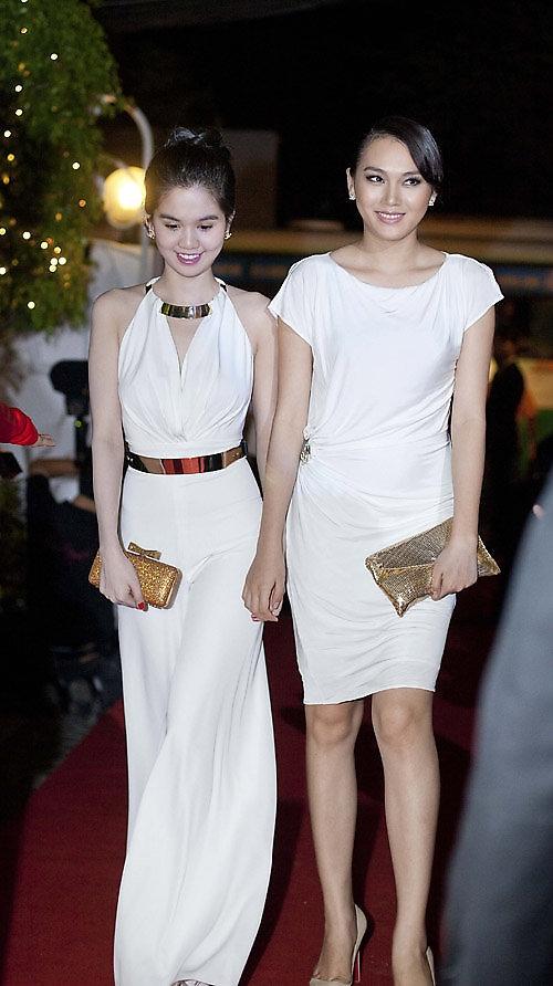 Phong cách thời trang quyến rũ của Ngọc Trinh 3