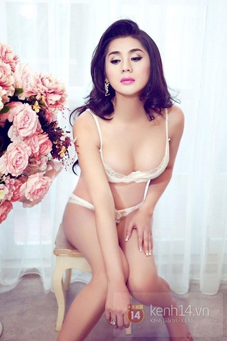 Lâm Chi Khanh quyến rũ với nội y 7