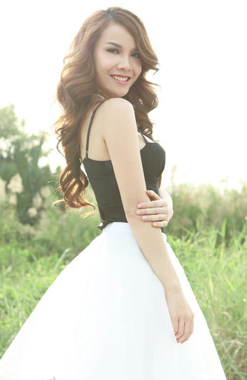 Quán quân Yến Trang đẹp từng centimet trong trang phục gợi cảm 2