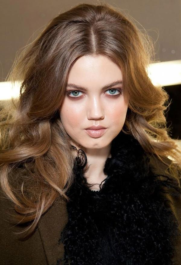 Bí quyết chọn tóc xoăn che khuyết điểm khuôn mặt 5