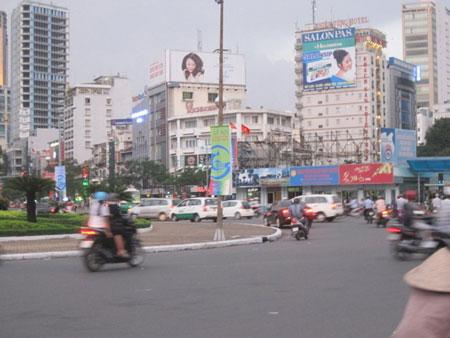 Đâm người cướp 50 triệu đồng giữa ban ngày ở Sài Gòn 2