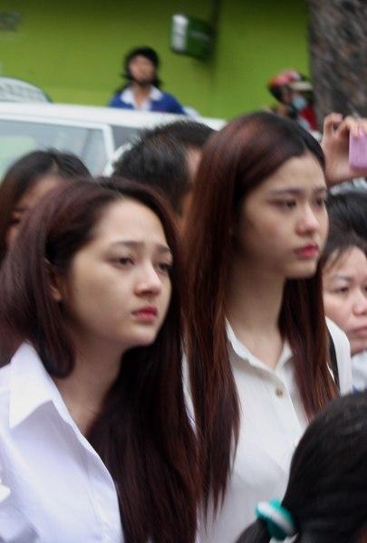Gia đình và bạn bè đẫm lệ đưa tiễn Wanbi Tuấn Anh 12
