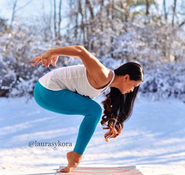 """Chùm ảnh đầy cảm hứng của """"bà mẹ Yoga"""" dáng siêu đẹp 3"""