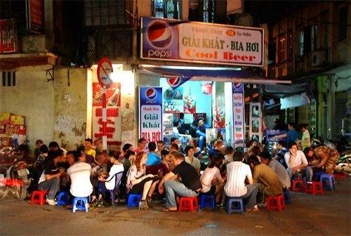 Những ngõ, phố hàng ăn kiếm đậm nhất Hà Nội 2