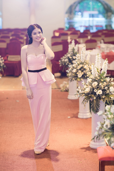 Hoa hậu Ngọc Hân ngày càng đẹp và trắng 4