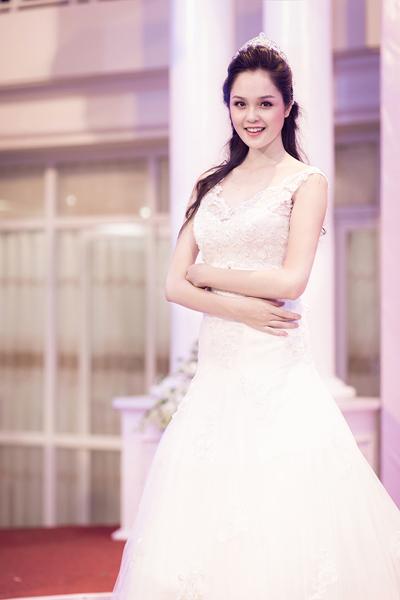 Hoa hậu Ngọc Hân ngày càng đẹp và trắng 10