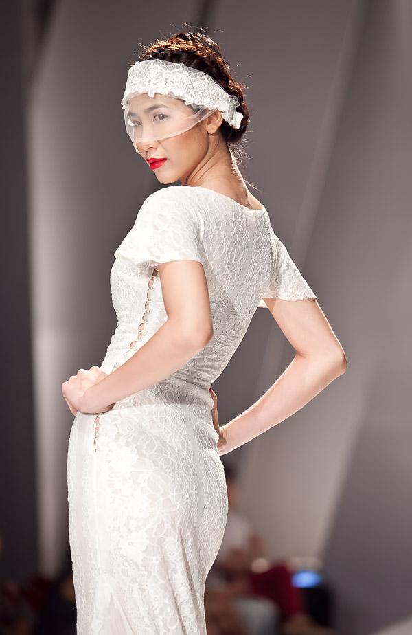 Những mẫu váy lộng lẫy mới nhất cho tháng 4 7