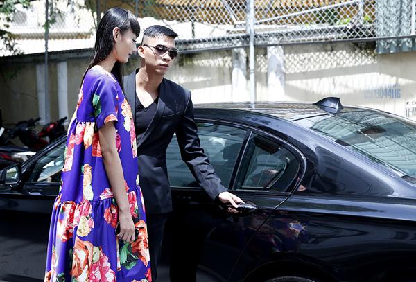 Top Model Lê Thúy được trai đẹp đưa đón bằng ô tô sang 7