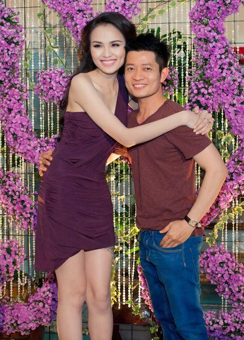 Hoa hậu Diễm Hương tổ chức sinh nhật hoành tráng toàn màu tím 8
