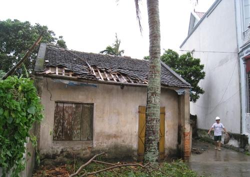 Cận cảnh sự tàn phá sau bão số 6 7