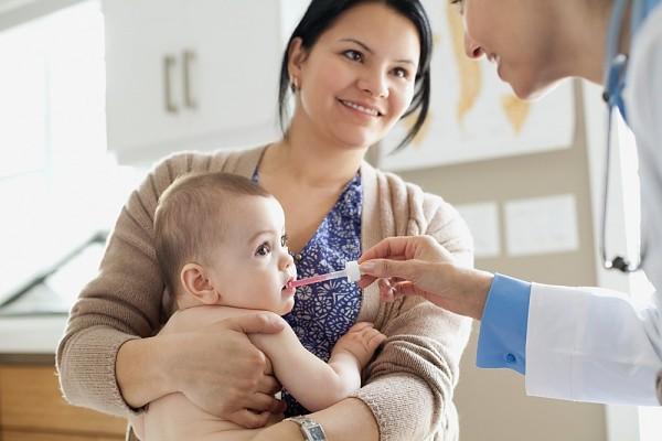 Kinh nghiệm các mẹ phải biết khi đưa bé đến gặp bác sĩ 3