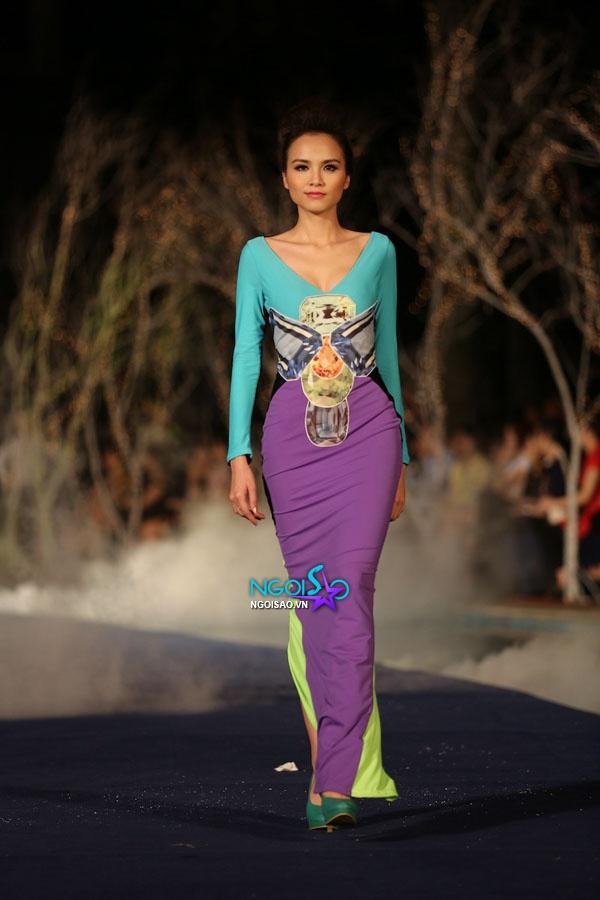 Hoa hậu Thùy Dung, Diễm Hương quyến rũ trong trang phục màu sắc 4