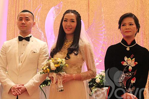 Cận cảnh đám cưới cổ tích của Á hậu Thùy Trang 3