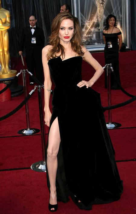 Stylist của Angelina Jolie: 'Luôn chuẩn bị ít nhất 20 bộ váy' 2