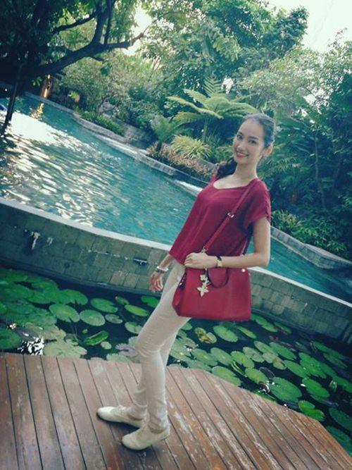 Trúc Diễm diện bikini 2 mảnh khoe body gợi cảm ở Thái Lan 9