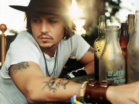 """""""Cướp biển"""" Johnny Depp gây sốc khi tiết lộ về đôi mắt gần như mù 1"""