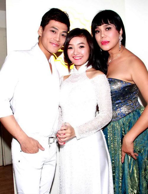 Hoảng hồn cảnh Cindy Thái Tài áp má Don Nguyễn vào bộ ngực đồ sộ 14