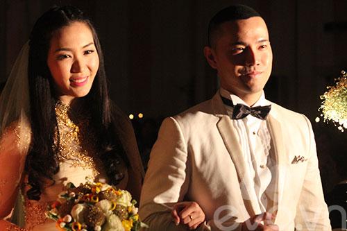 Cận cảnh đám cưới cổ tích của Á hậu Thùy Trang 2