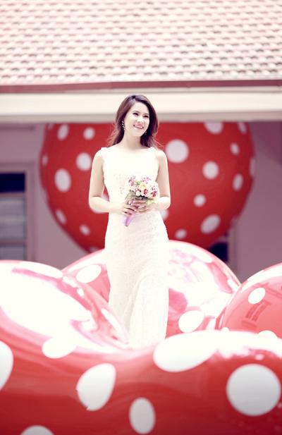 Chiêm ngưỡng ảnh cưới đẹp long lanh của Hoa hậu Biển Vân Anh 10