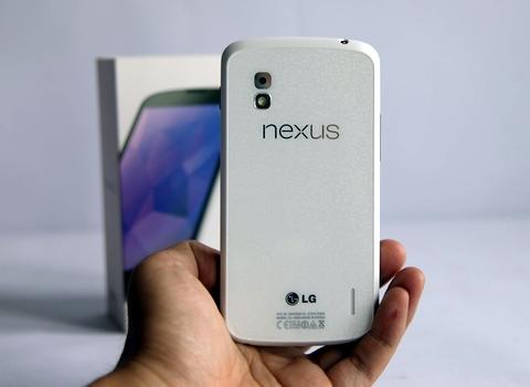 Nexus 4 màu trắng về Việt Nam giá 9,8 triệu đồng 5