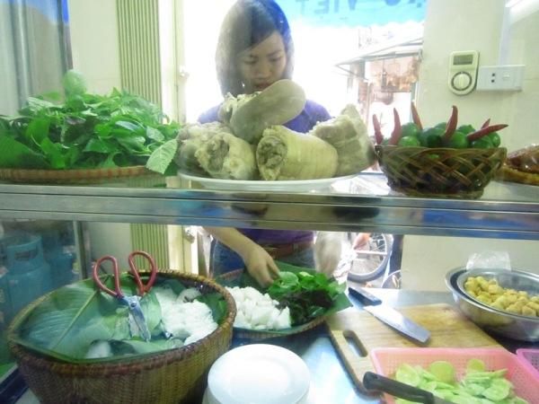 Đi ăn bún đậu ngon, rẻ phố Hàng Khay 5