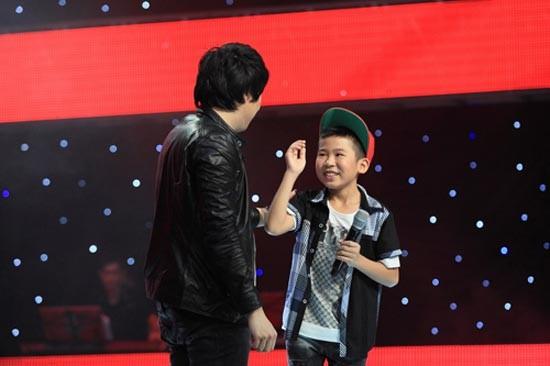 Những đấng mày râu 'mít ướt' của showbiz Việt 5