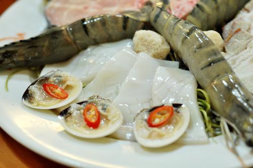 Lẩu mắm hải sản thơm nức mũi phố Phan Chu Trinh 5