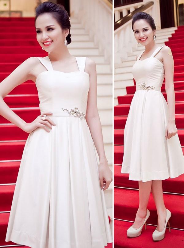 Kiều nữ Việt đẹp mong manh váy trắng 4