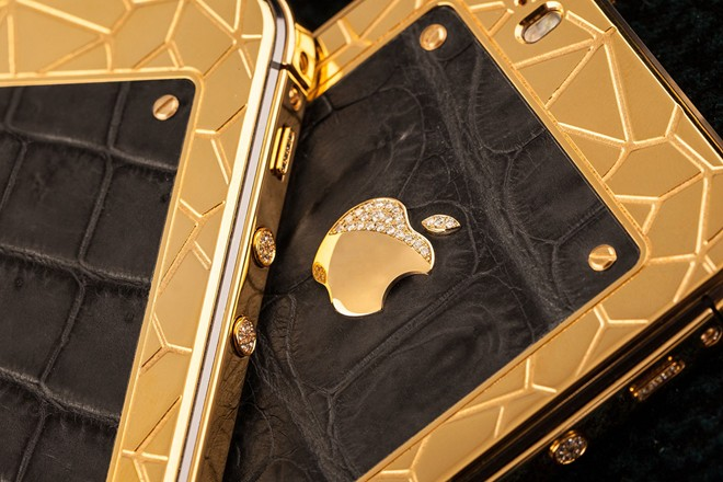 iPhone 5S mạ vàng bọc da cá sấu giá 35 triệu ở VN 5