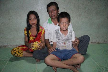Gia đình bé bị chôn sống muốn nhận lại con 3