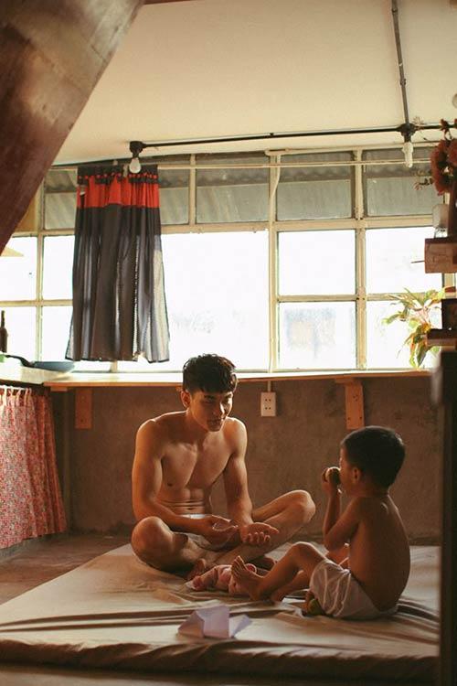 Say lòng với bộ ảnh 'Gà trống' của bố đơn thân và con trai 15