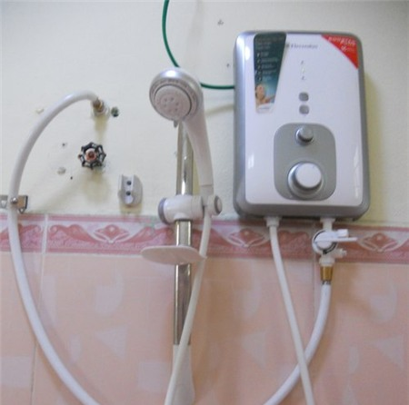 Cẩn trọng khi tắm máy nước nóng 2
