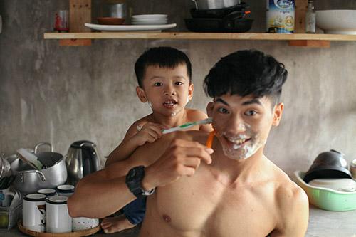 Say lòng với bộ ảnh 'Gà trống' của bố đơn thân và con trai 14
