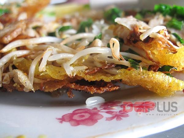 Ăn đồ Huế bình dân phố Nguyễn Phong Sắc 8
