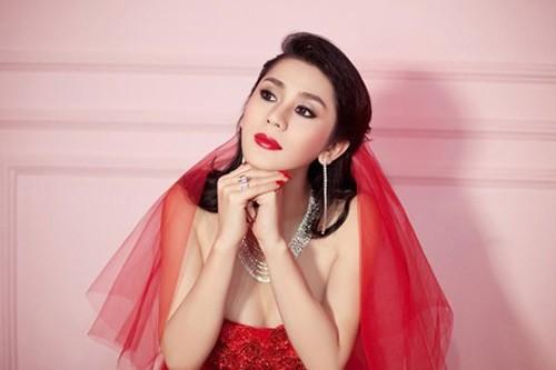 Lâm Chi Khanh xinh đẹp trong váy cưới đỏ rực 6