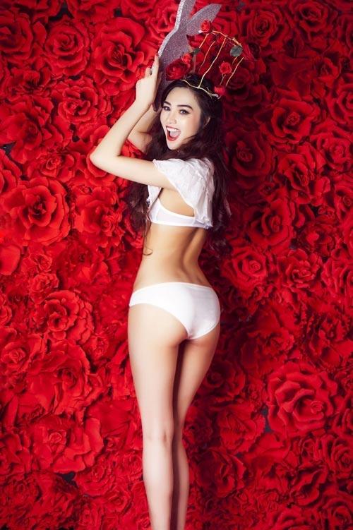 """Những bộ ảnh nội y """"vạn người mê"""" của người đẹp Việt năm 2013 8"""