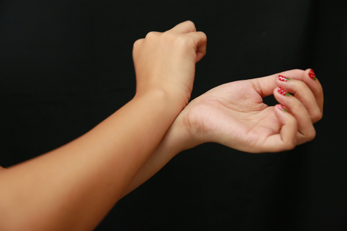 Mẹo giúp bền mùi nước hoa 3