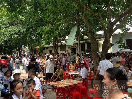 Quang Anh trở về quê nhà trong sự chào đón nồng nhiệt của người dân 4
